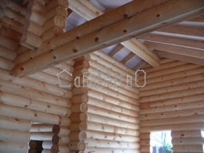 Как и чем обрабатывать швы в деревянном доме?